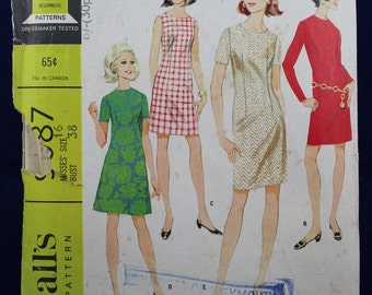 Sewing Pattern for a Woman's 1960's Dress in Size 16 - McCall's 9087