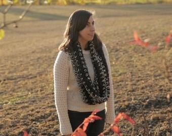 Infinity scarf crochet/The scarf Lennox