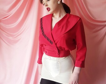 Vintage 1980s Oversized Double Breasted Cropped Blouse With Large Collar Featuring Contrasting Wiggly Embroidery In Red | Black