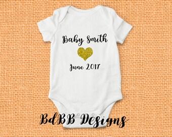 Pregnancy Announcement Onesie / Baby Announcement Onesie / Pregnancy Reveal Onesie / Maternity Photo Onesie / Custom Baby Onesie