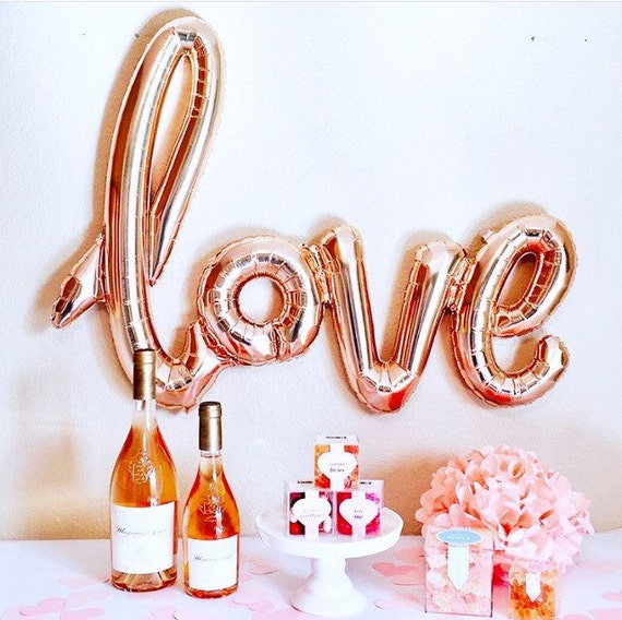 love party decorations