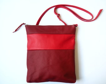 Leather Convertible Bag - Backpack / Shoulder Bag - Sustainable Materials - Woman Handbag - Simple - Elegant