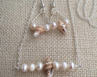 Shells and pearls necklace and earrings set