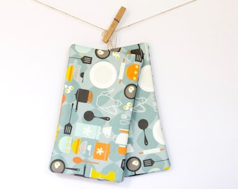 Hot Pads - Pot Holders - Eggs and Baking Retro Pattern – Set of 2