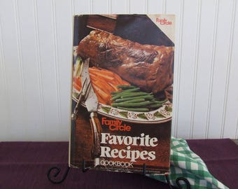Family Circle Favorite Recipes Cookbook, Vintage Cookbook, 1982