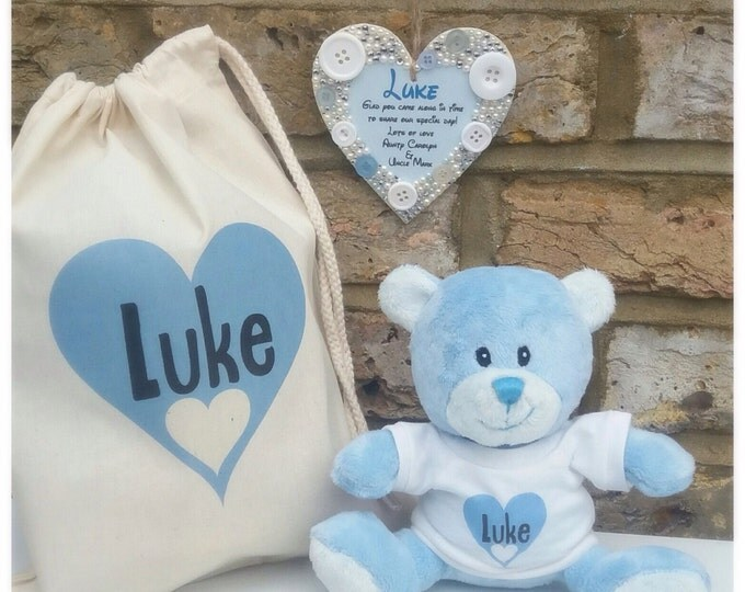 Personalised baby gift set, Hanging heart with any wording plus teddy gift set for children.  Keepsake bag | Any colour | Baby shower gift.