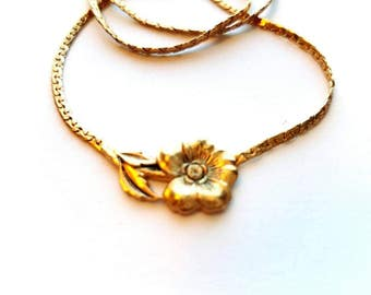 """Vintage Sarah Coventry 1979 """"Spring Posie"""" Gold Necklace with attached Gold Flower Pendant"""