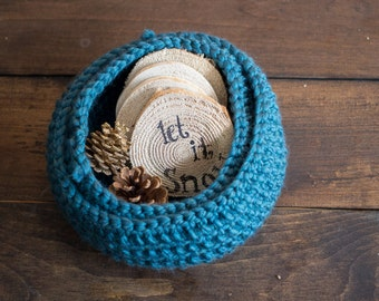 Chunky Knitted Baskets // Teal
