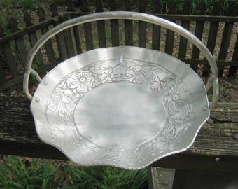 Hammered Aluminum Basket, Floral Design, Hand Forged Everlast, 9 Inch Diameter, Fluted Rim, Riveted Handle, Metal Basket, Basket Decor