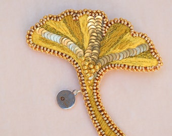 "Pins, embroidered brooch ""Ginkgo gold leaf"" hand embroidered on silk with golden thread and Japanese sequins"