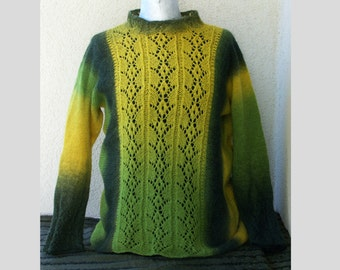 Pullover knitted / green, dark green, yellow