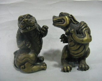 A Pair Rare Unique  Chinese Antique Bronze  Evil Beast Statue -Free Ship