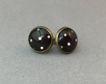 Cabochon earrings in bronze, black with white dots