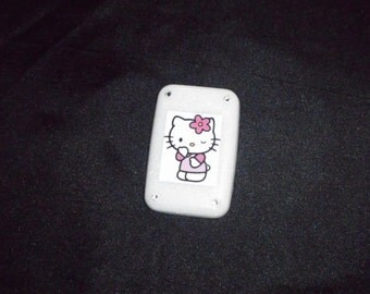White Hello Kitty magnet with Swarovski crystals and resin