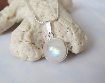 Rainbow moonstone pendant set in 92.5 sterling silver,free shipping