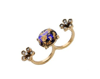 Vintage Style White Rhinestones Flowers and Blue Gem with Scattered Gold Glitter Double Finger Statement Bronze Band Ring