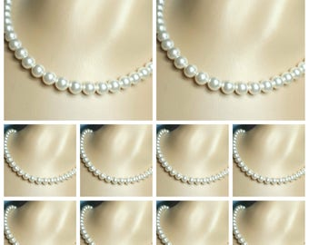 10 Bridesmaid Necklaces, White Cream Off White Ivory Pearls, Swarovski Pearl Necklaces, Pearls Bridal Jewerlry, Set of Ten Wedding Necklaces