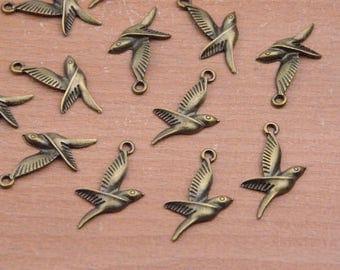 25pcs birds for craft,Antique Bronze Bird pendant,small bird Charm,mini Flying Bird.