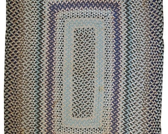ON SALE 20% Off 3.8' X 5.5' ( 118cm X 170cm) hand made vintage American braided rug 1960