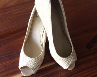 Type pump peep shoes toe bicolor striped Nine West