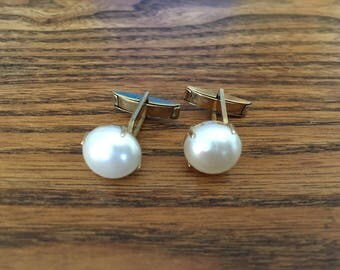 Vintage Faux Pearl and Gold Cufflinks 1118