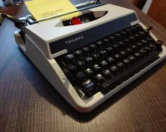 Triumph tippa Vintage typewriter