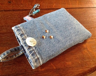 Kindle sleeve/e reader /slip cover/recycled denim/Wrangler/pouch/pocket/teenage gift/unique/hand crafted/