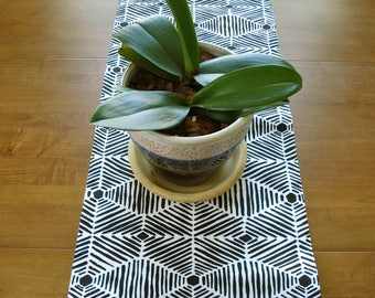 Table Runner / Dining Table Runner / Fabric Table Runner /Aztec Design/ Black White/Table Runner/ Buffet Runner / Spring Table/Made To Order