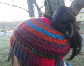 Messy bun hat/ Ponytail hat/ crochet viral hat/ beanie/ pony tail hat/ messy bun/adult hat/crochet beanie