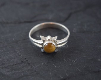 Tigers Eye Solitary Star Sterling Silver Ring Size 9.5