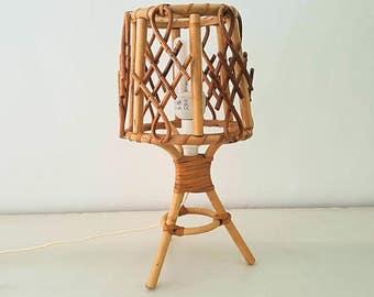 Wicker table lamp / vintage wicker lamp table