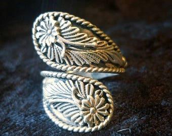 Sterling Silver Vintage Floral Wrap Ring