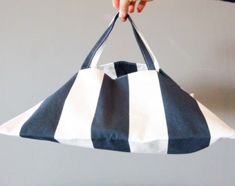 Pie with white and blue stripes purse