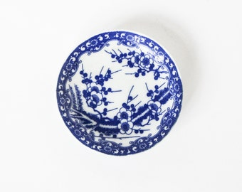 Japanese sushi soy sauce porcelaine dish - Asian china saucer with blue flower ornaments