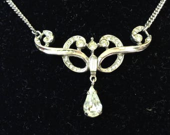 Clear Rhinestone Teardrop Lavallière Rhodium Silver Tone Necklace
