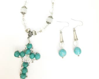 Turquoise Beaded Western Cowgirl Necklace and Earrings