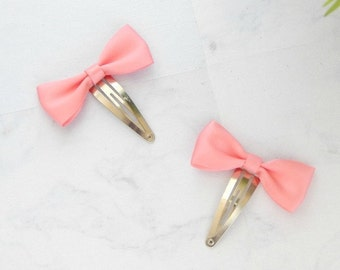 KELSEY Coral Mini Bow Clip Set - Mini Bow Snap Clips - Hair Accessory - Girls Christmas Gift - Bow Hair Clip Set - Pink Bow Hair Clip Set