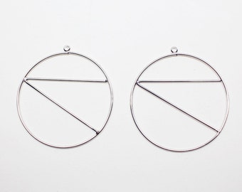 P0515/Anti-Tarnished  Rhodium  Plating Over Brass/Triangle in Large Circle/39X42mm/2pcs