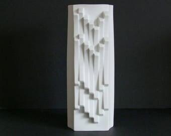 Heinrich Fuchs Hutschenreuther Germany ARCHAIS series 26 cm. white bisque porcelain vase Op Art Mid Century Modernist German WGP