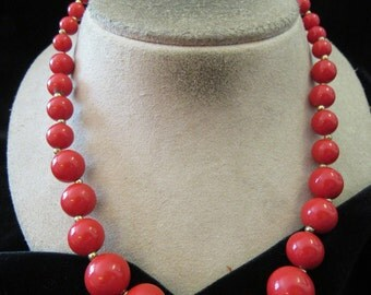 Vintage Graduated Red Beaded Necklace