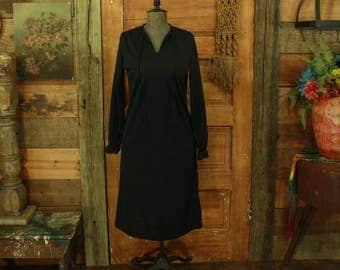 vintage 1960s black ruffle wrists simple shift dress S M