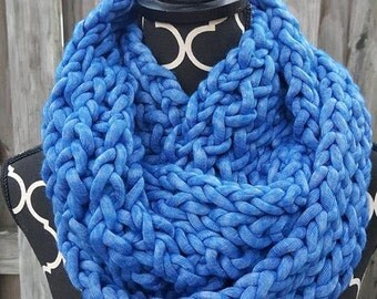 Super Soft Chunky Infinity Scarf --Blue