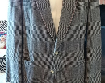 Vintage Austin Reed Glen Plaid Sports Coat/ Sports Jacket/ British Made Fabric Tailored in the USA/ Wool/ Black White Red/ Prince of Wales