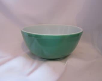 Vintage pyrex green Bowl / Vintage Bowl Green pyrex