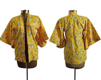 Vintage Kimono Yellow Kimono Japanese Floral Kimono 1960s Kimono 60s Robe Yellow Robe Short Kimono Short Robe Vintage Bathrobe Retro Kimono
