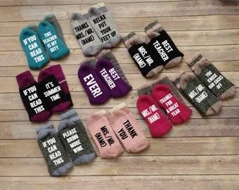 Teacher gift, teacher appreciation gift, Wine Socks, novelty socks, If You Can Read This Socks, Graduation socks, Back to School