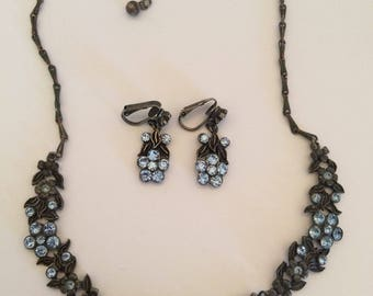 Vintage Antique Blue Rhinestone Daisy Flower Floral Adjustable Choker Necklace w/ Matching Clip On Earrings