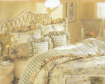 Vintage Bedroom Comforter, Large & Small Pillow Shams, Cases Dust Ruffle UNCUT Sewing Pattern Simplicity Home 8898