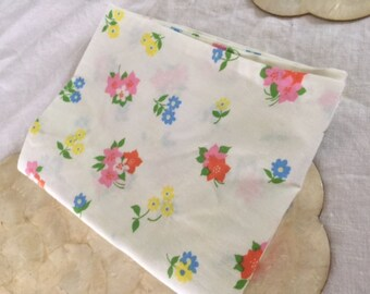 Vintage floral print pillowcase, standard size. Free shipping!