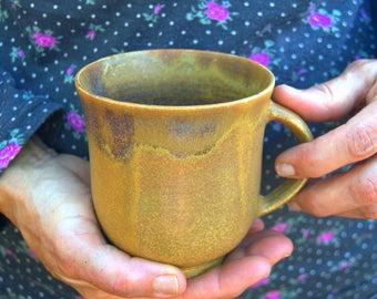 Pair of bowls / Couple of mugs